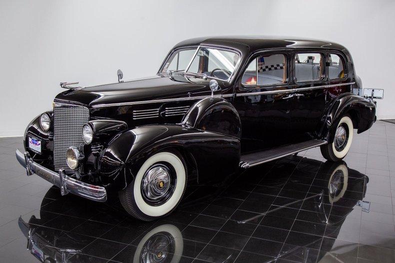 1938 Cadillac Fleetwood 75