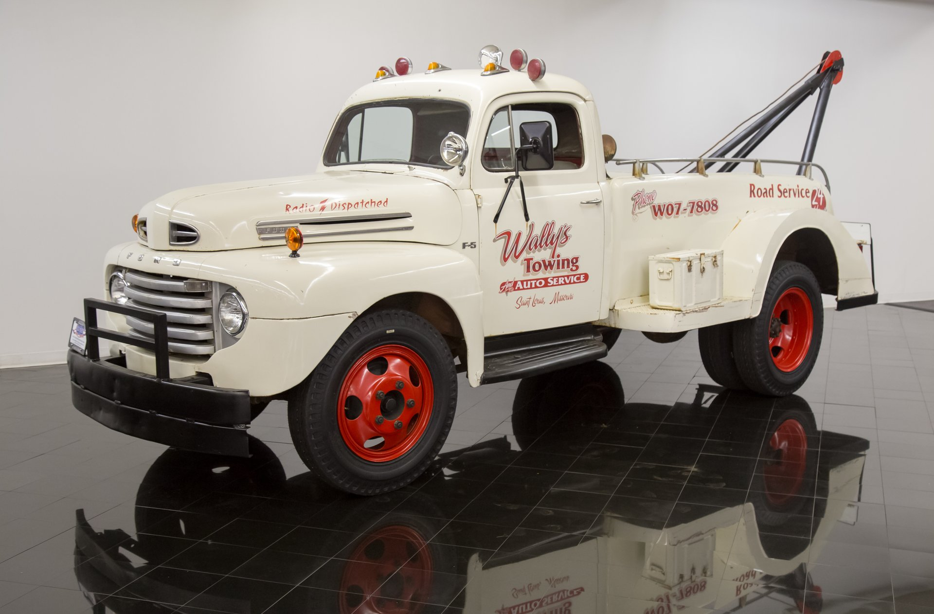1950 ford f5 tow truck