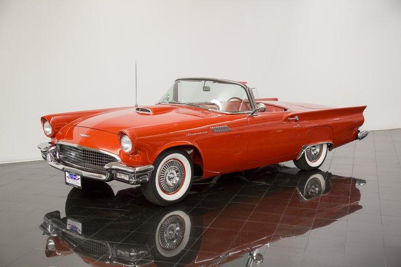 1957年 フォード サンダーバード