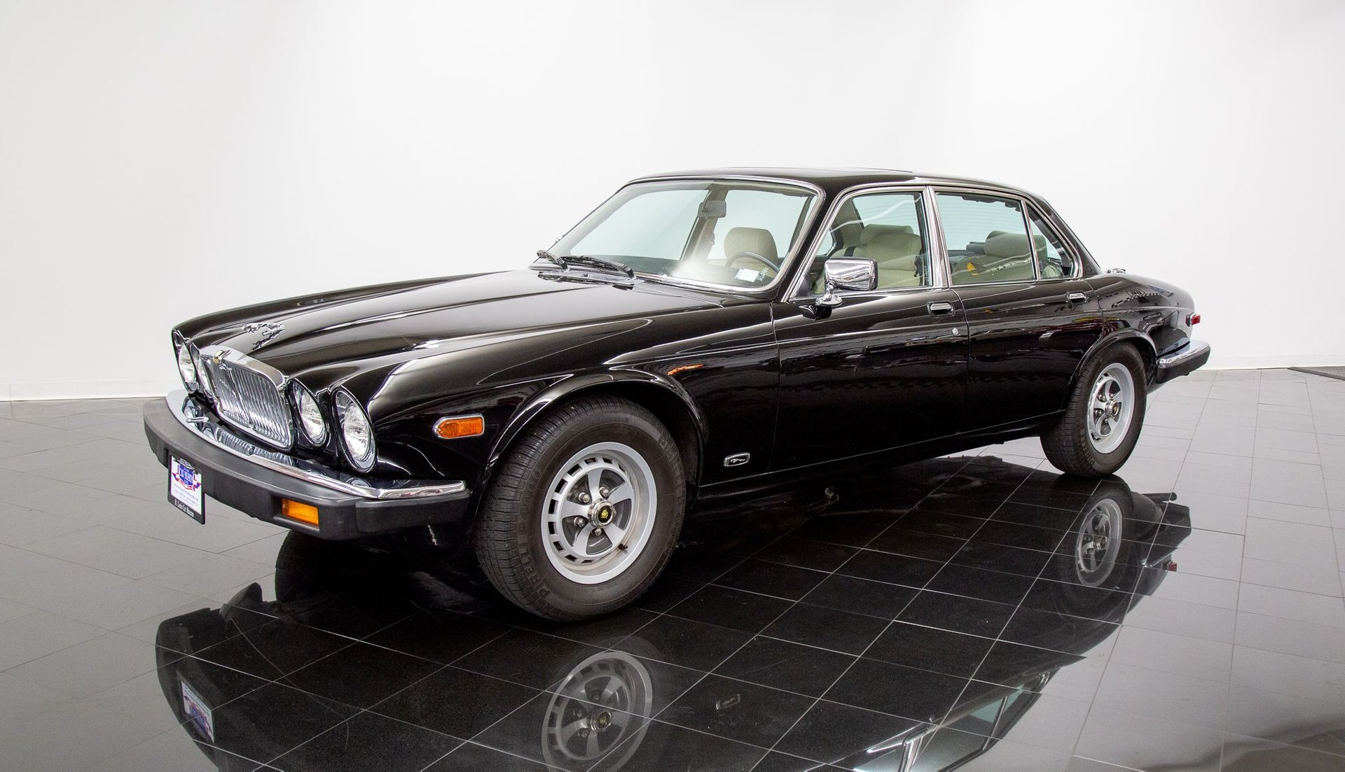 1986 jaguar xj6 vanden plas sedan