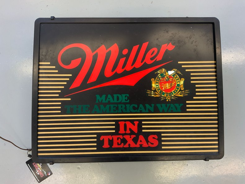 MILLER MADE THE AMERICAN WAY IN TEXAS BEER LIGHT