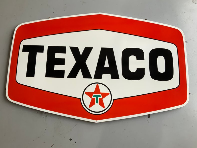 Rare 5 ft Porcelain Texaco sign in excellent condition.