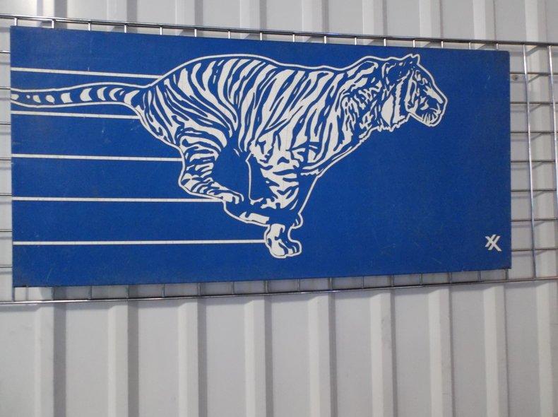 Exxon Tiger Sign | Street Dreams