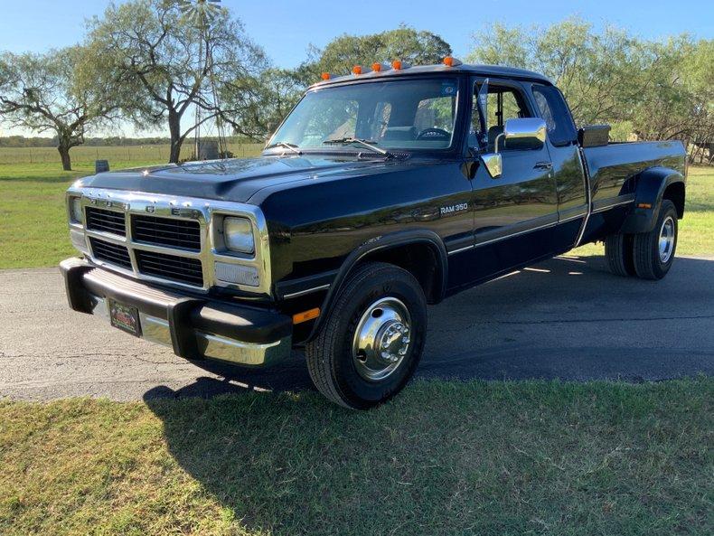1993 Dodge D350 & W350