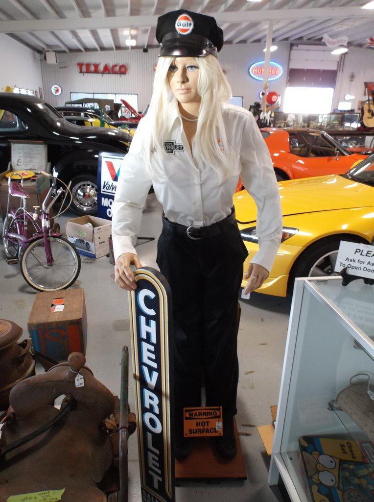 Girl Mannequin Blonde