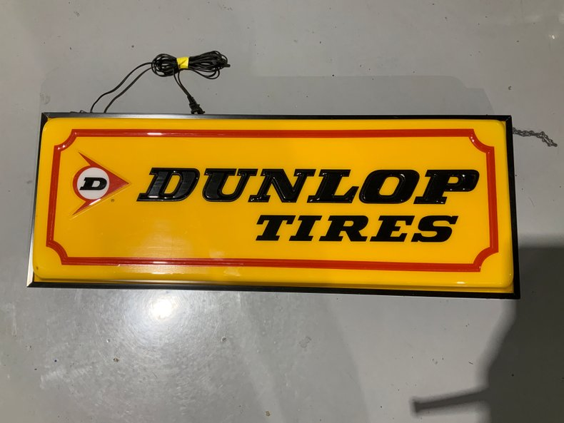 Light Up Original Dunlop Tire Sign