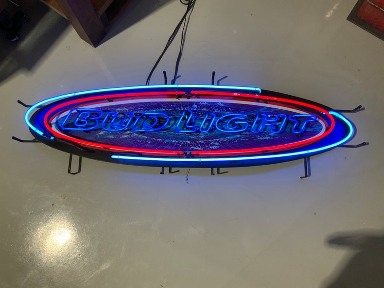 Original Bud LIght neon sign