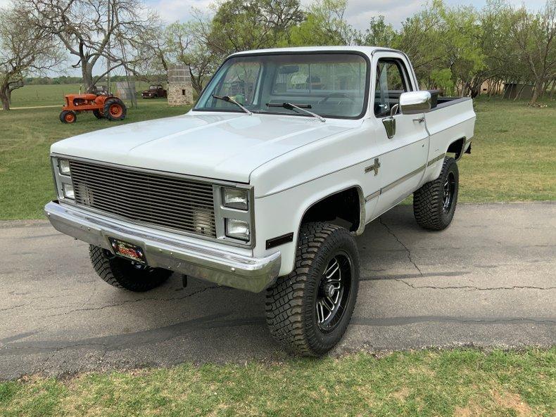 1983 Chevrolet C/K10 4x4 updated 5.3LV8 efi auto ps pb Fuel wheels