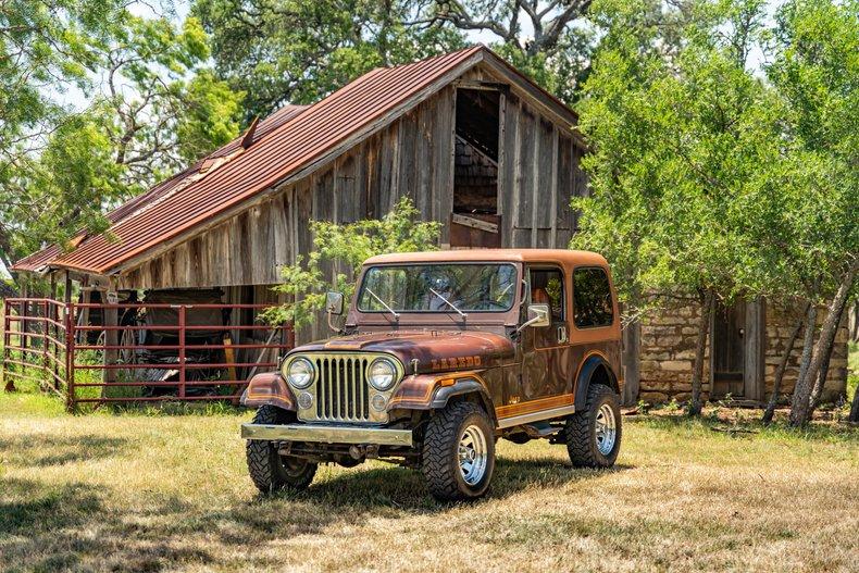 1983 Jeep CJ 4WD Hardtop 5spd AC