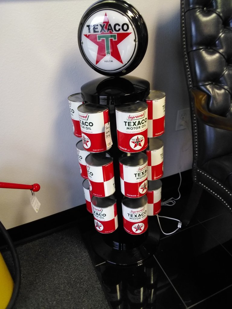 Lighted Texaco Oil Can Display