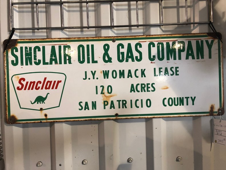 Sinclair Oil & Gas Company Sign