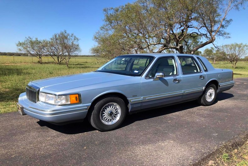 Details About 1992 Lincoln Town Car Signature Series 27k Actual Miles Clean V8 Rwd