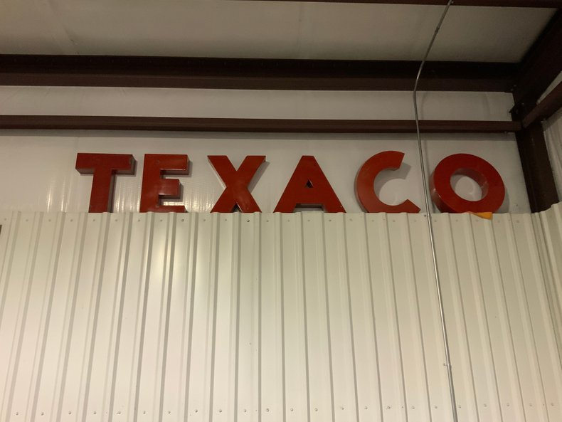 Loose porcelain Texaco Letters