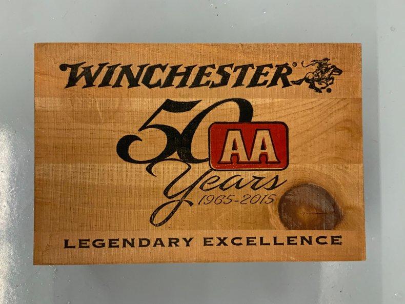 Original wooden 12 gauge shell box nice graphics