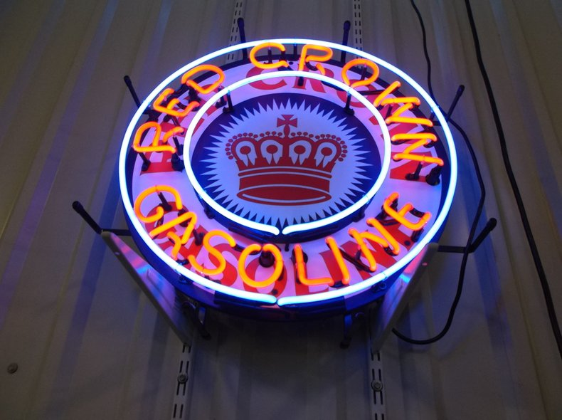 Red Crown Neon Sign