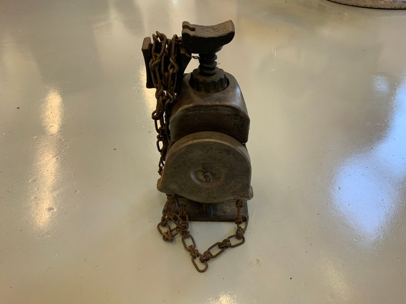 Antique Weed Pull Chain Car Jack