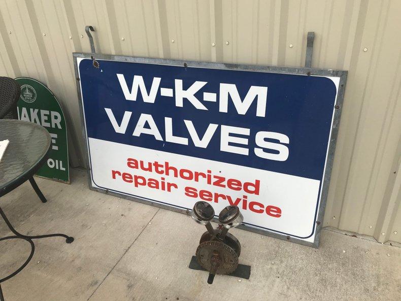 WKM valve service sign double sided porcelain