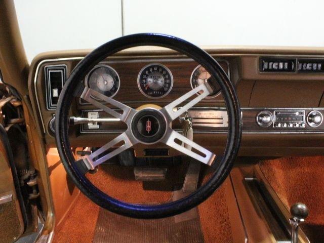 1972 Oldsmobile Cutlass   Streetside Classics - The Nation's