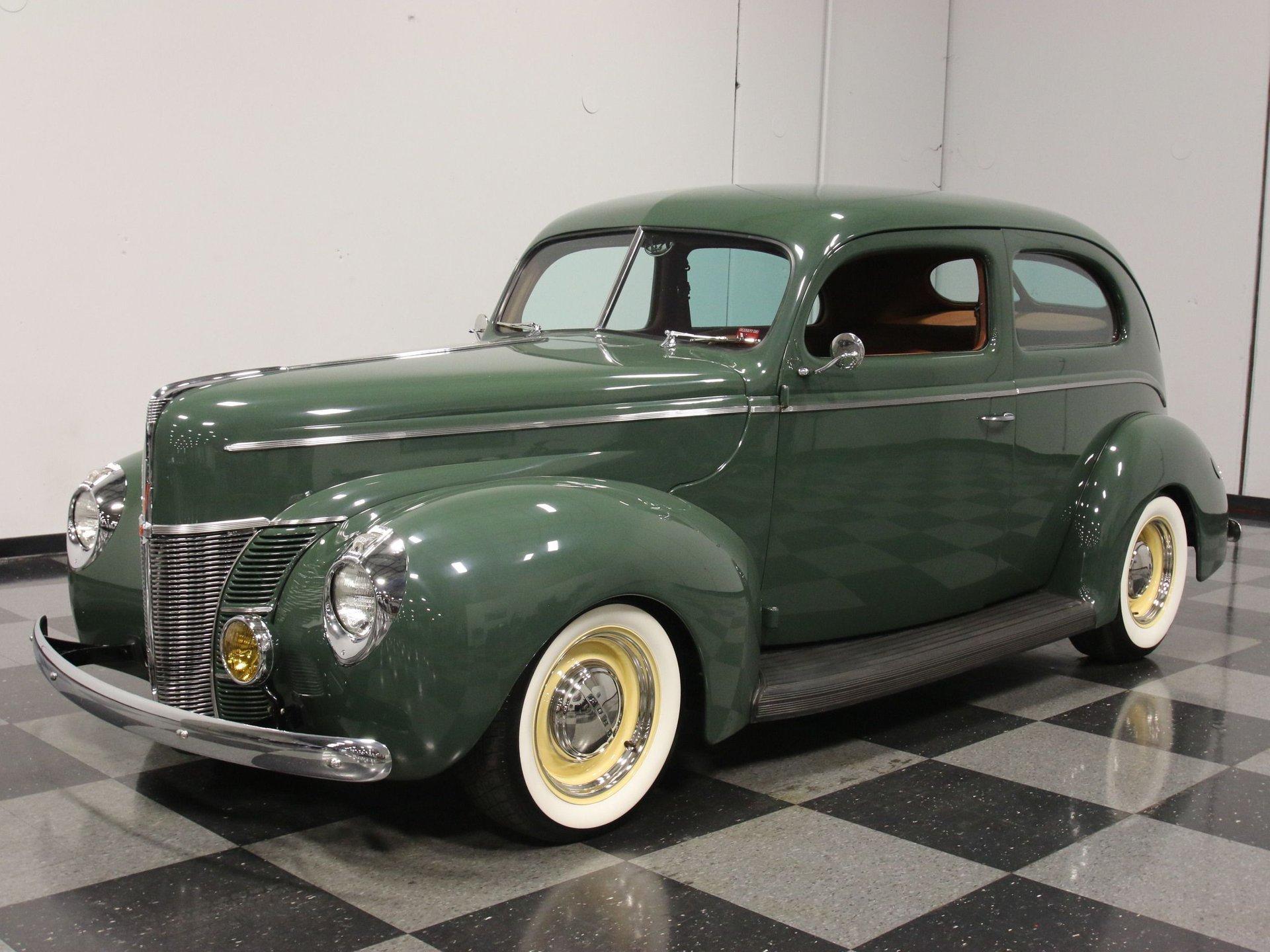 1940 ford deluxe sedan