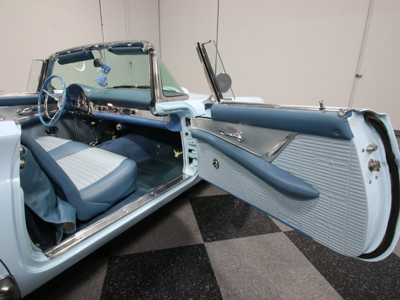 1957 Ford Thunderbird 45