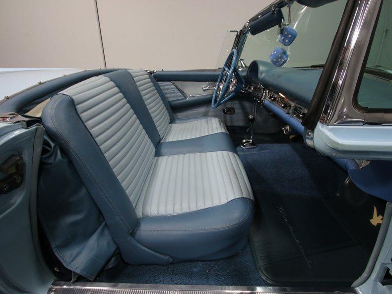 1957 Ford Thunderbird 43