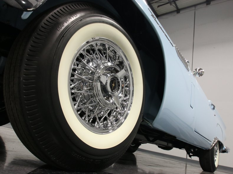 1957 Ford Thunderbird 12