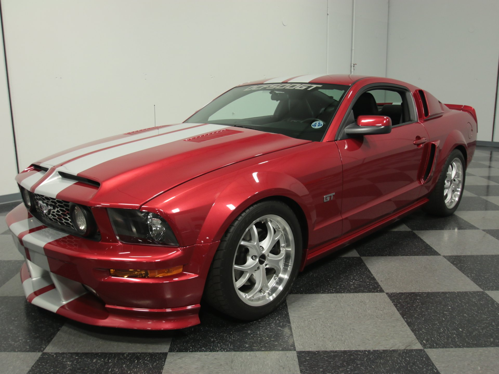 2005 ford mustang dcf500gt