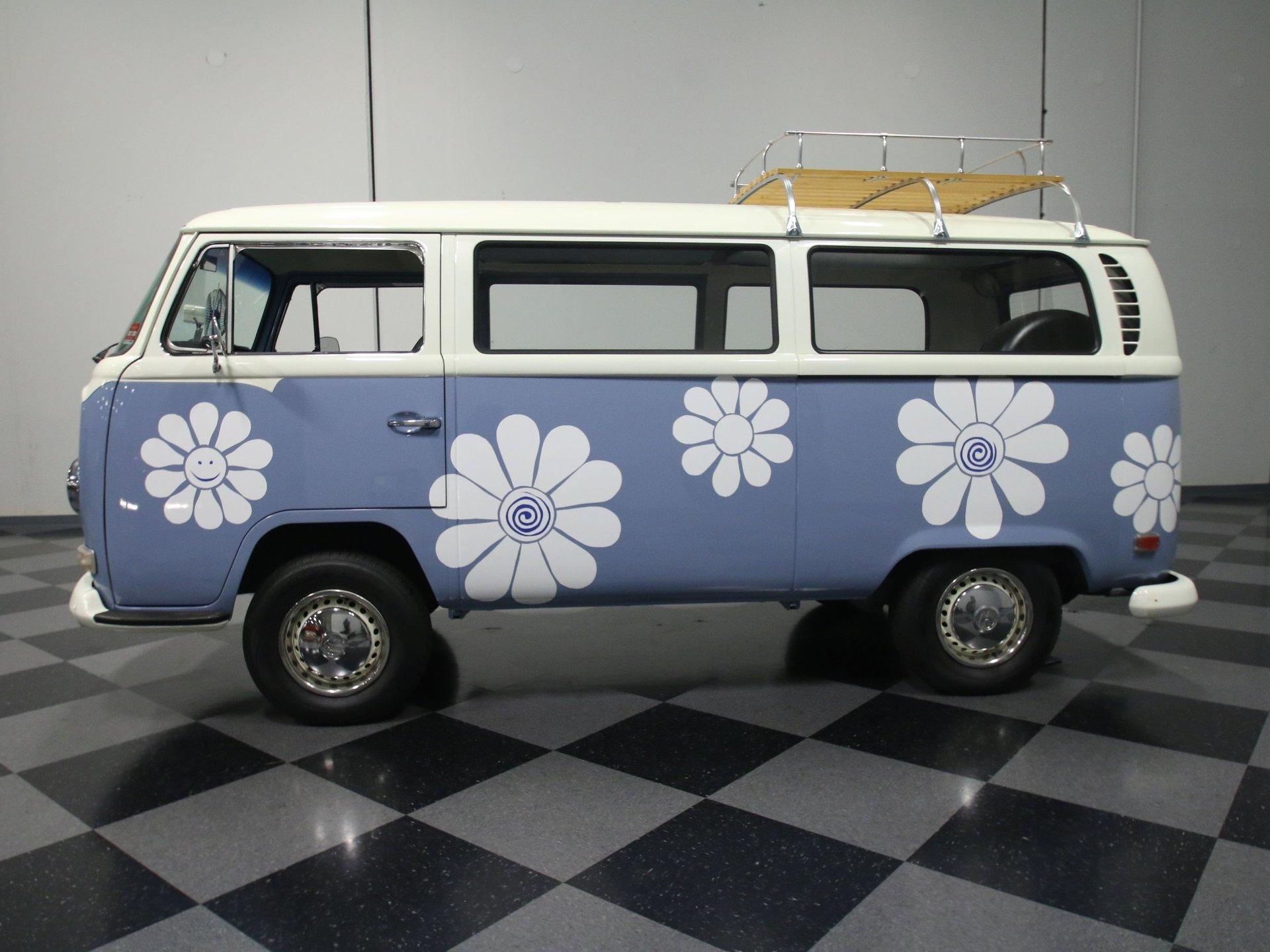 1971 volkswagen transporter bus