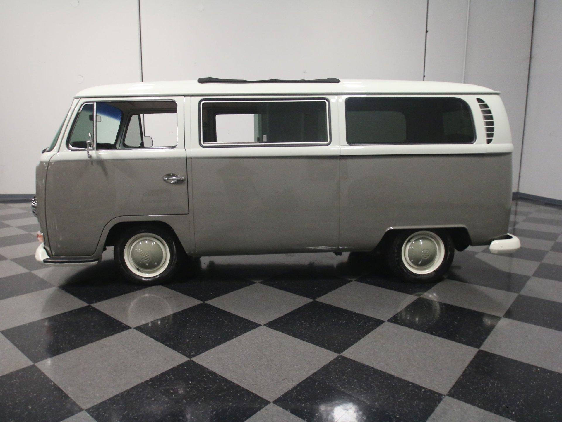 1968 volkswagen type 2 bus