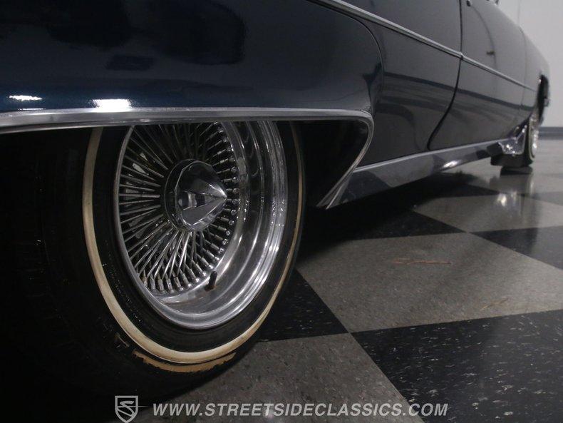 1969 Cadillac Coupe DeVille 32