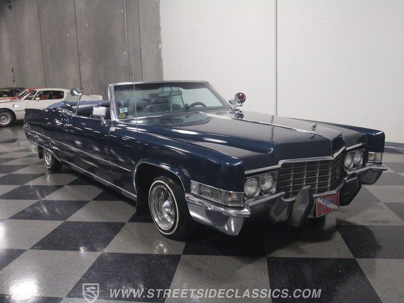 1969 Cadillac Coupe DeVille 38