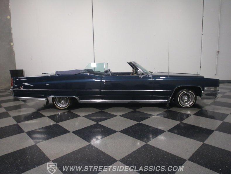 1969 Cadillac Coupe DeVille 33