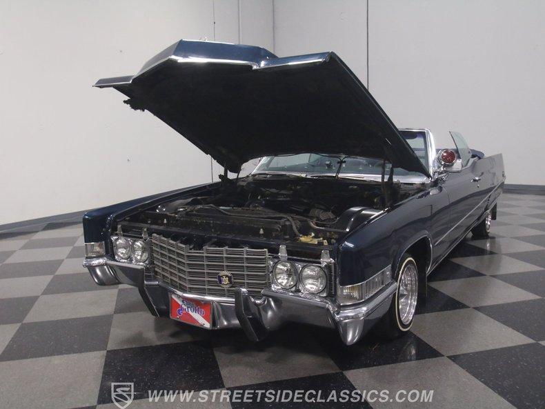 1969 Cadillac Coupe DeVille 40