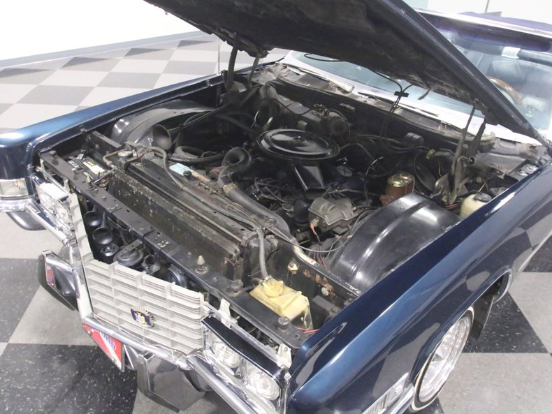1969 Cadillac Coupe DeVille 42