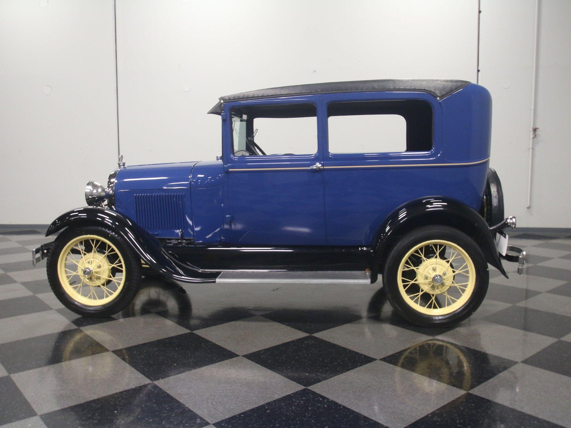 1929 ford model a 2 door sedan