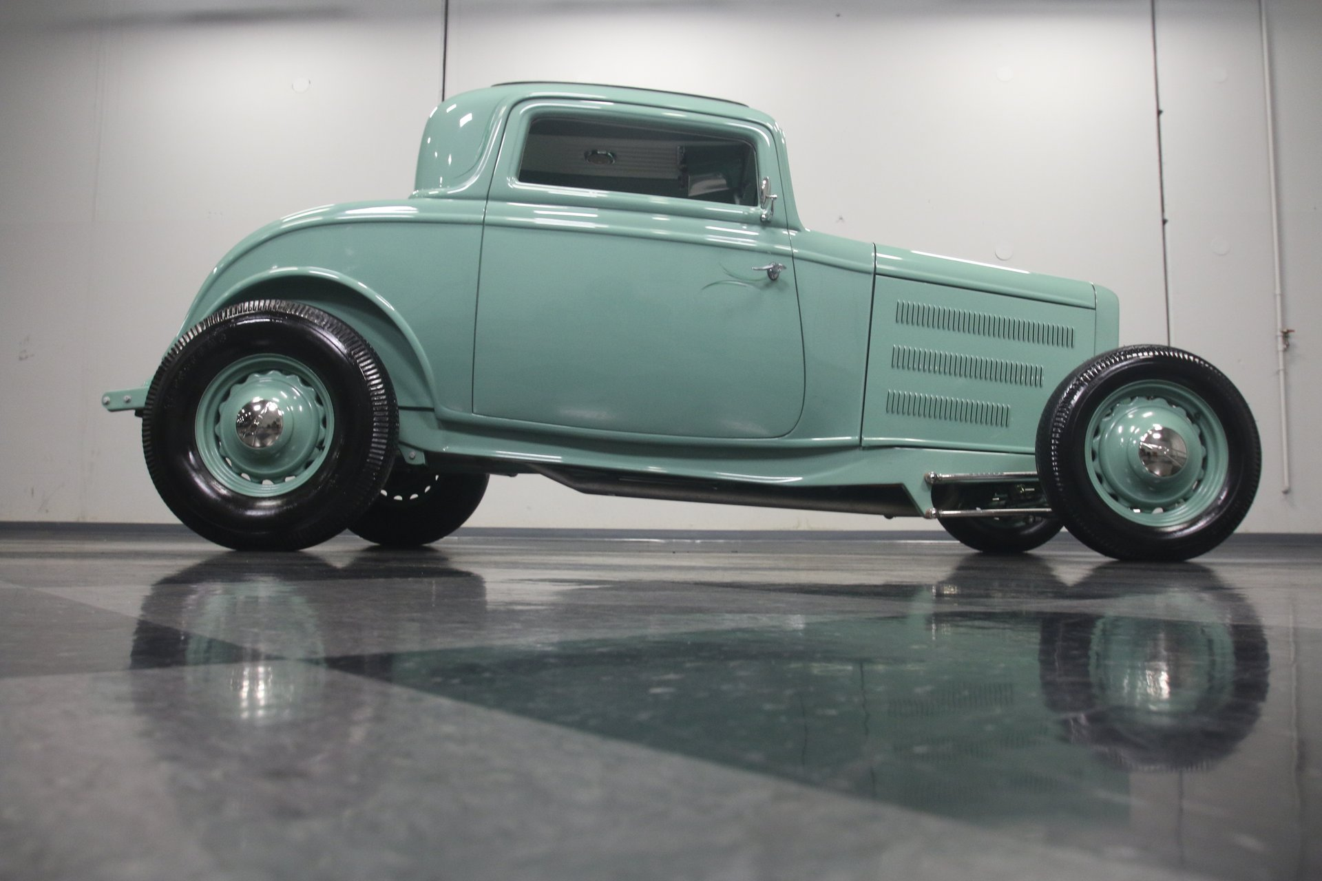 1932 Ford Coupe Streetside Classics The Nations Trusted Classic 1941 Custom Hot Rod View 360