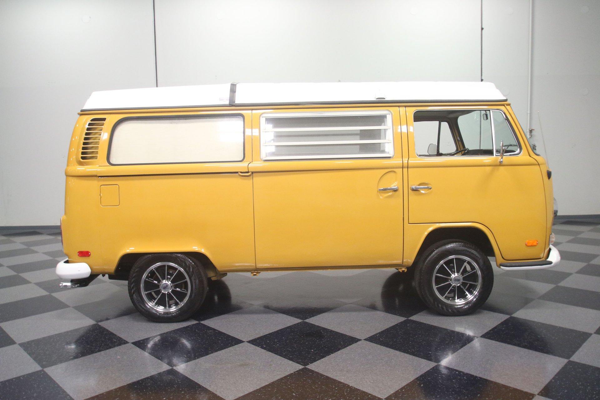 1972 Volkswagen Westfalia Camper   Streetside Classics - The