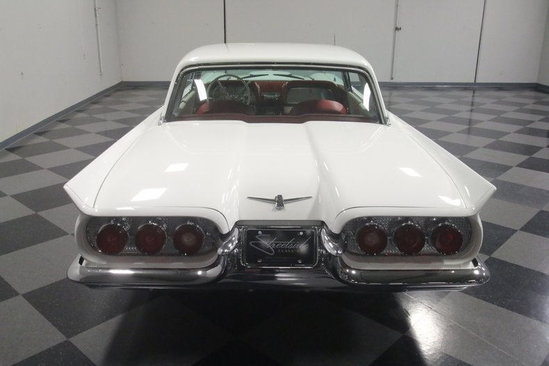 1960 Ford Thunderbird 28
