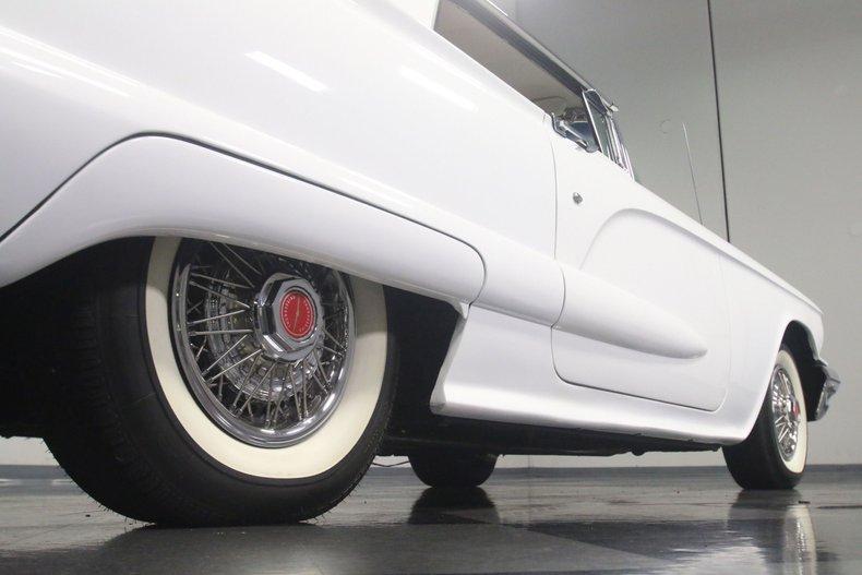 1960 Ford Thunderbird 30