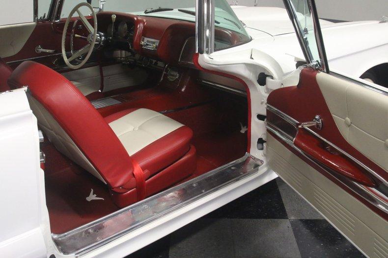 1960 Ford Thunderbird 59