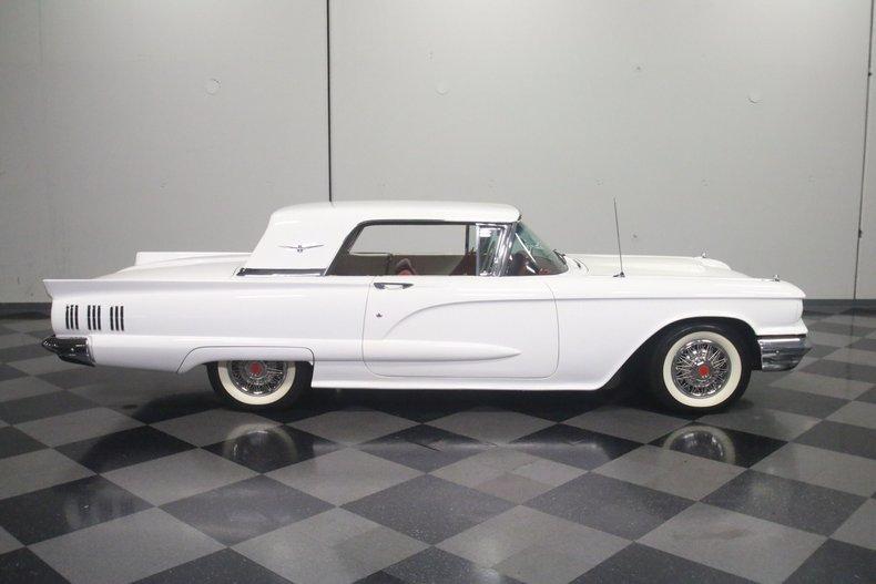 1960 Ford Thunderbird 31
