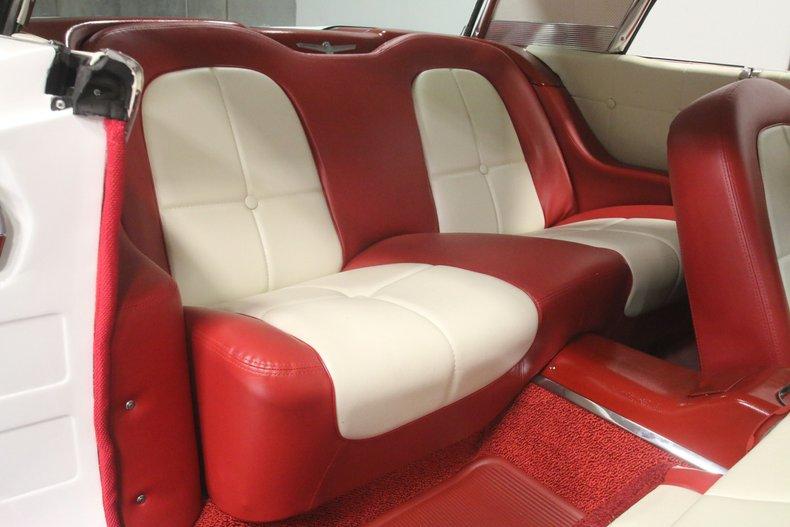1960 Ford Thunderbird 52
