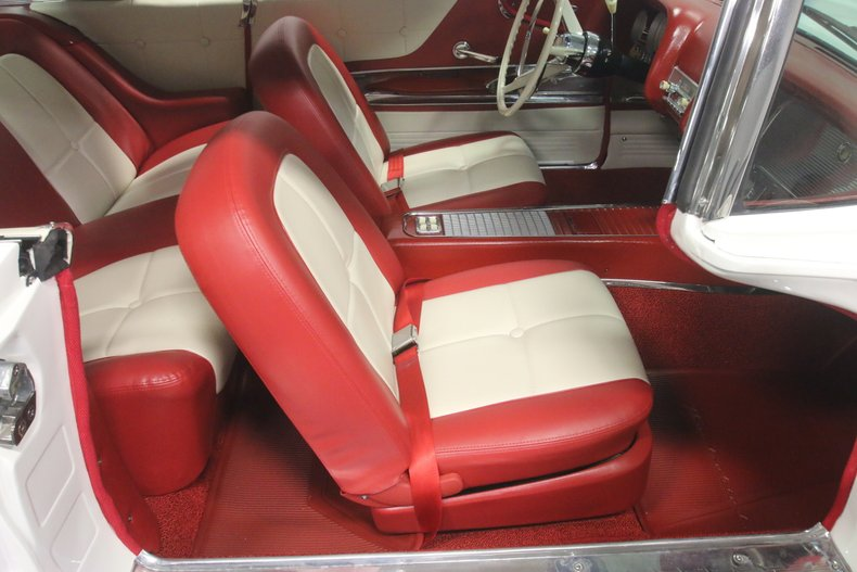 1960 Ford Thunderbird 54