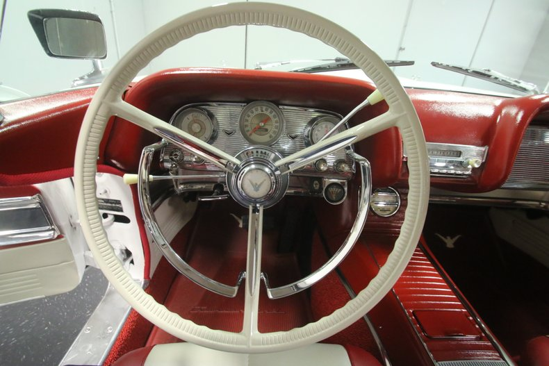 1960 Ford Thunderbird 45