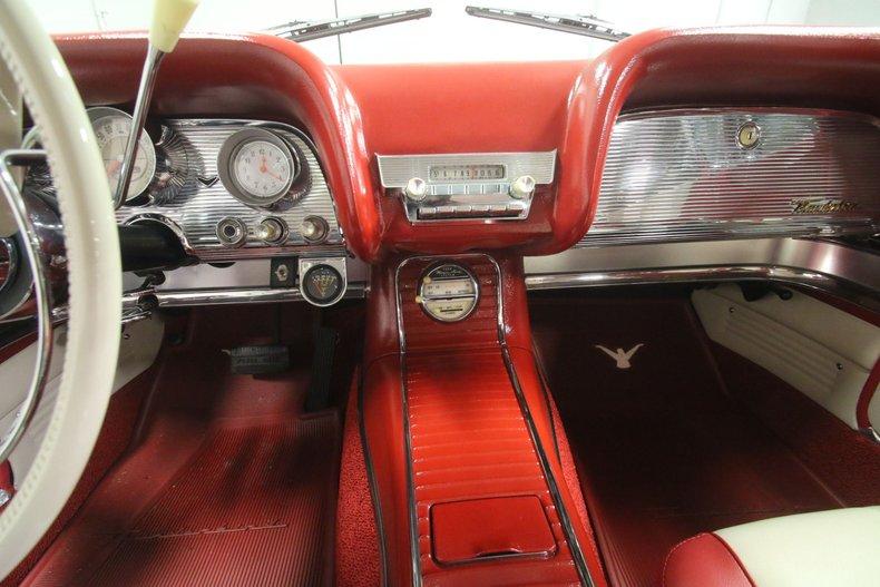 1960 Ford Thunderbird 51