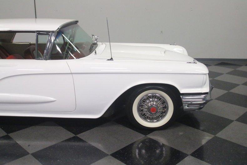 1960 Ford Thunderbird 33