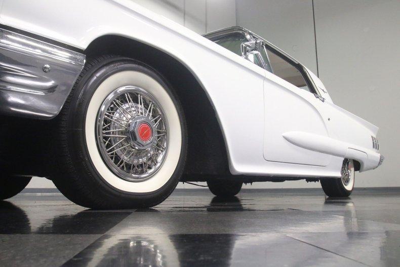 1960 Ford Thunderbird 23