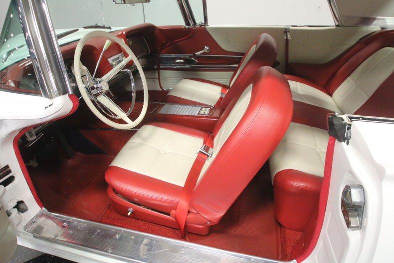 1960 Ford Thunderbird 4