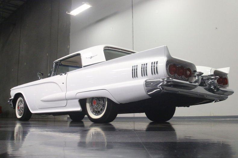 1960 Ford Thunderbird 26