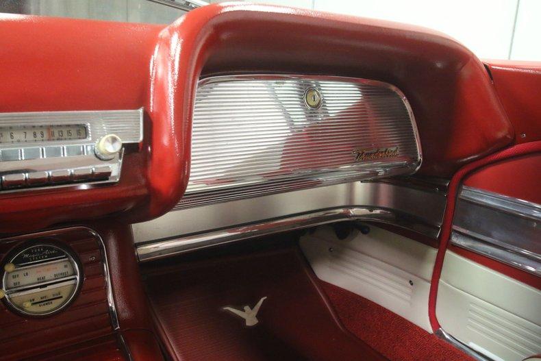 1960 Ford Thunderbird 48